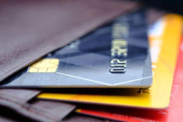 In arrivo detrazioni fiscali e incentivi solo per chi usa bancomat o carta di credito?