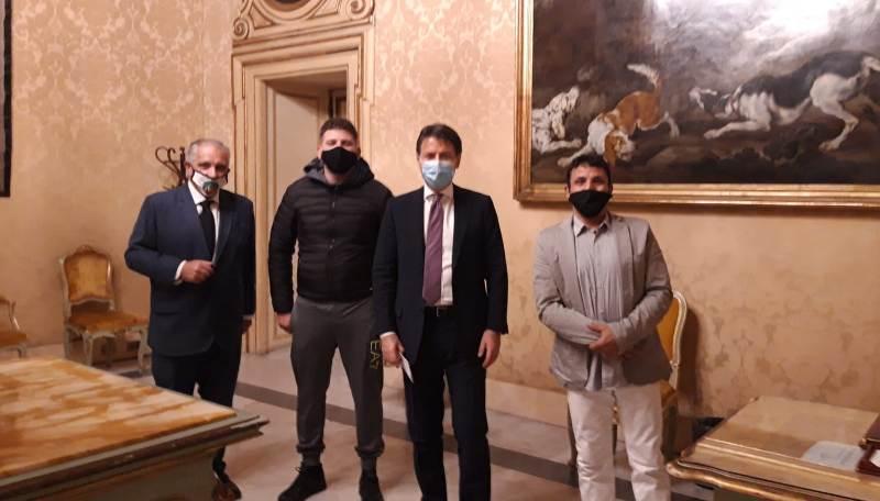 Le Partite Iva in piazza a Roma per la Fiera della ribellione, delegazione ricevuta da Conte
