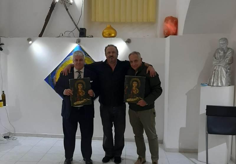Madonna dei debitori, consegna ufficiale dell'effige lignea al dott. Lamberto Mattei